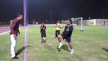 Robin van Persie et Maradona régalent avec une série de jongles !