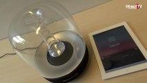La Aura de Harman Kardon est une enceinte Bluetooth au design et au son hors norme.