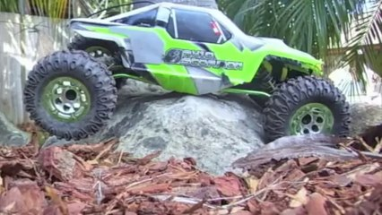 JRC Productions - Superzook and AX10 Crawling