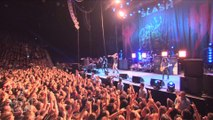 Slash ft. Myles Kennedy The Conspirators - Back From Cali (Live In Sydney)