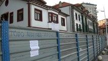 Vecinos se solidarizan con familia encerrada del Paseo marítimo de Candás