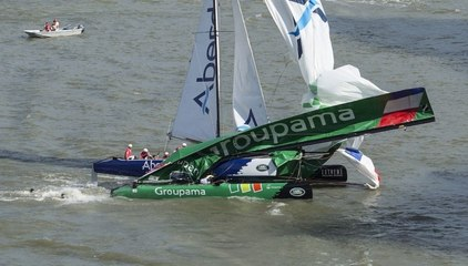 Crash between Groupama and Team Aberdeen