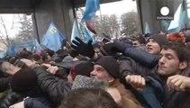 Crimean Tatar protesters clash with pro-Russian demonstrators in Simferopol