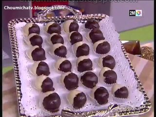Des Petit Fours Avec Du Chocolat Pralinée