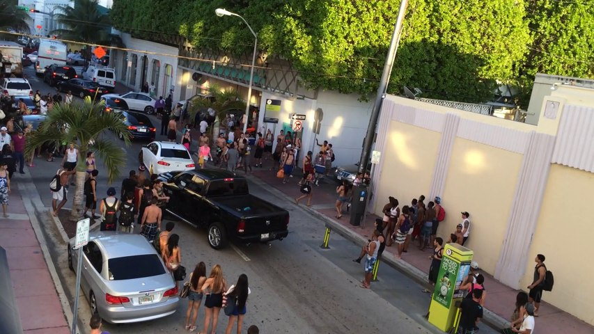 7th Street Parking Garage Brawl / Fight, Miami Beach