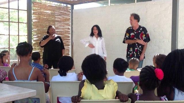 Jennifer Anderson traduit par Pedro Espi-Sanchis et Lavonna - Afrique du Sud Avril 2013