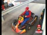 Mario Kart (Rémi GAILLARD) - YouTube