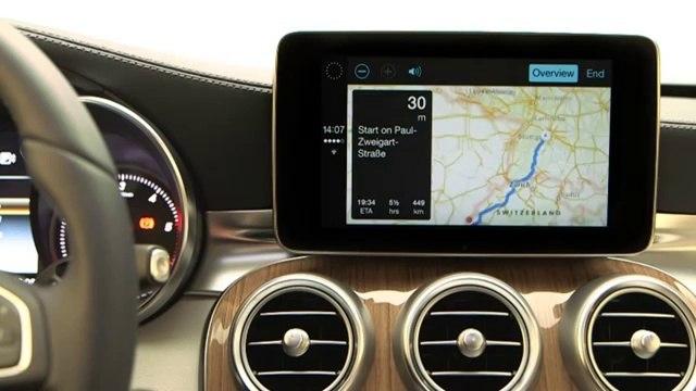 Mercedes Benz zeigt Carplay auf Englisch