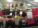 Les pompiers reprennent une chanson