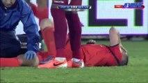 Football: Il brise en deux la jambe de son adversaire