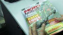 Moto Journal ça peut aussi servir de tapette à mouches