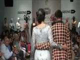 LFW: Maryam Zakaria sizzles in silver gown - IANS India Videos