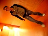 simon dance dans les couloirs!!!