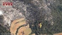 Bomberos trabajan en el incendio del Baix Empordà