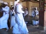 2014 - MAROC Arrêt dans un village de musiciens Berbères