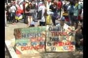Estudiantes opositores marchan en Ciudad Ojeda