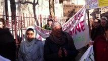 Manif college Plaine_Debat parent & candidat PS en campagne devant l'école