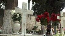 Tombe abusive al cimitero, maxi sequestro a Fuorigrotta a Napoli