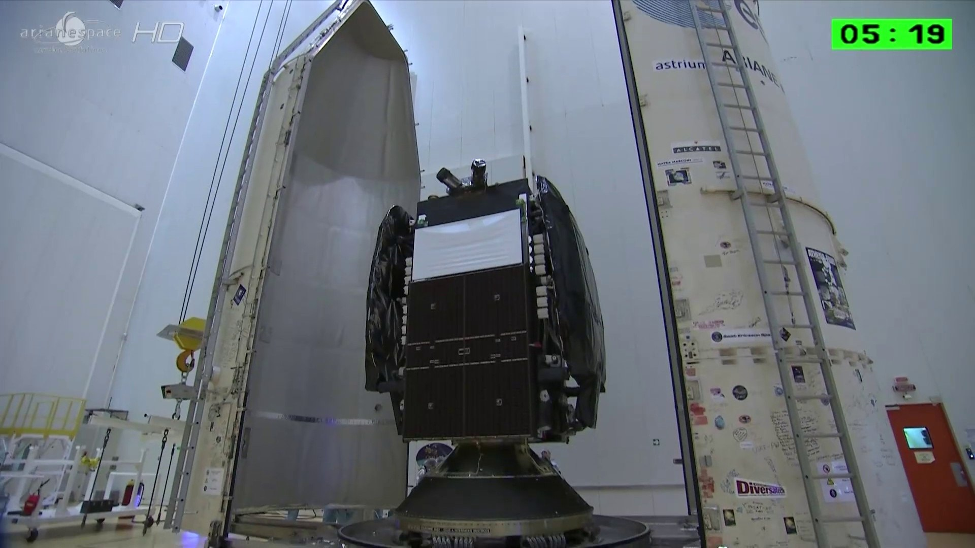 [Ariane 5] Processing Highlights for Ariane 5 with Astra 5B & Amazonas 4A