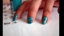 Stickers ongles autocollants nail art avec vernis à ongles.