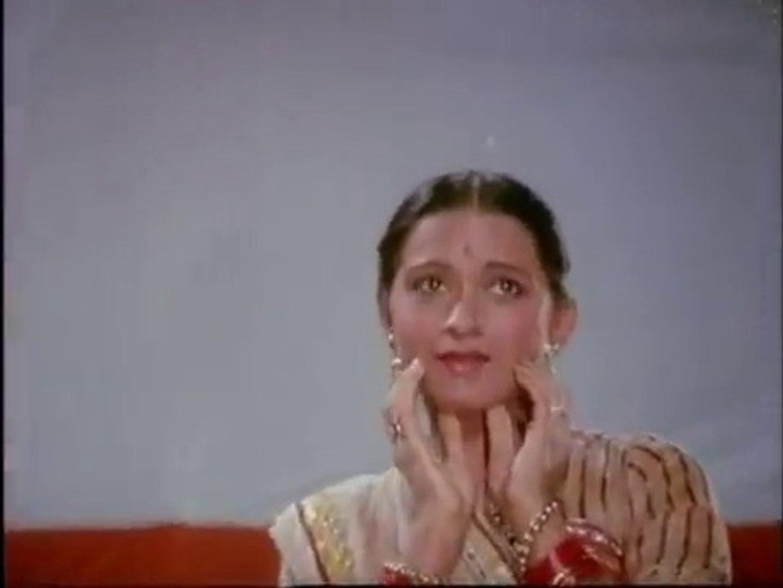 Oonchi Atari Palang Bichhaya - Bollywood Classic Song - Hemlata & Anupma Deshpande - Babul