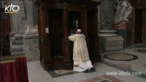 Le Pape François se confesse