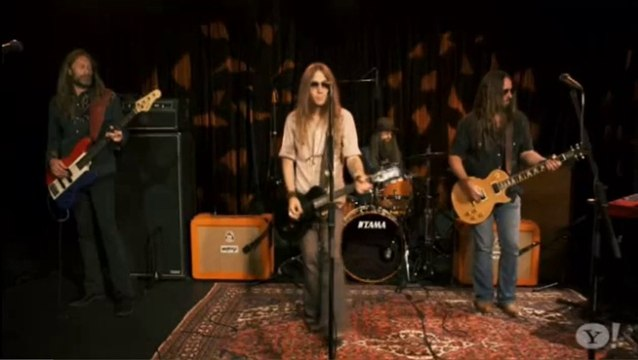 Blackberry Smoke - White Lightning