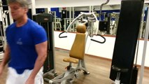 Pettorali: Chest Press di Roberto Eusebio