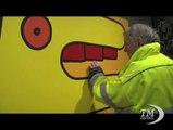 Thierry Noir: da artista di strada a galleria Griffin di Londra. Per primo ha dipinto graffiti sul Muro di Berlino