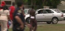 Vidéo choc : il fonce avec sa voiture sur les manifestants !