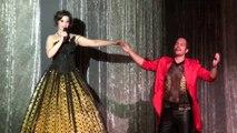 Marjorie Mulet interprète Montserrat Caballé de Barcelona, quant à Freddie Mercury il est en playback.