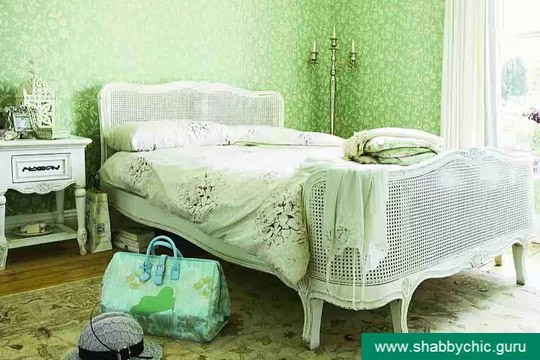Inspirational shabby chic bedrooms