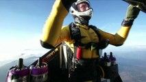 Japon: un Suisse survole le Mont Fuji avec une aile motorisée