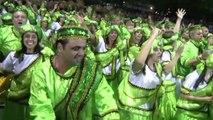 Le Carnaval de Rio débute dans le Sambodrome qui fête ses 30 ans