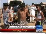 Pakistani Boy dancing like Micheal Jackson