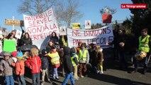 Lannion. 60 manifestants contre les fermetures de classe