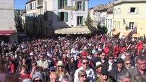 Arles : rassemblement pro-corrida devant les arènes