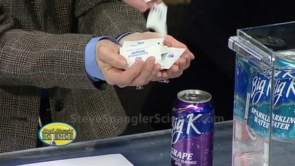 What Happens When You Submerge Cans of Diet Soda and Regular Soda In Water?