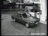 femme & pompe essence gag