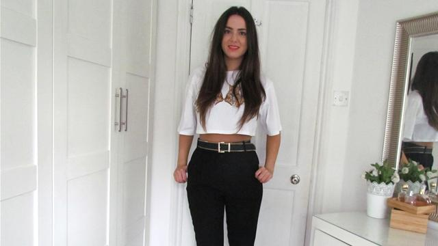 How To Wear A Crop Top And High Waisted Trousers. http://bit.ly/2zwnQ1x