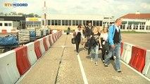 Eerste vliegtuig van ArkeFly landt op Groningen Airport Eelde - RTV Noord