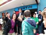 ÖZPAŞ AVM'den Örencilere Büyük Jest - Tüm Okula Bedava Dondurma Dağıttı