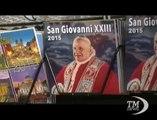 Due Papi Santi, Piazza San Pietro si trasforma in circo mediatico. Fedeli continuano ad affluire per doppia canonizzazione