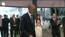 Un robot propose une partie de foot à Barack Obama