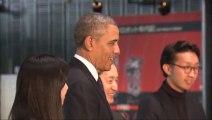 Obama joue au FOOT contre un robot Japonais!