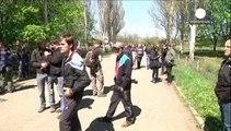 Sloviansk : les séparatistes retiennent des membres d'une mission d'observation militaire