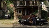 """Begin Again"" : Keira Knightley chante et Adam Levine joue"