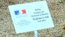 Stéphane Le Foll inaugure les ruches du ministère