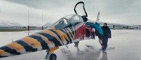 Hélicoptère acrobatique, Alpha Jet et Nascar : entrainement extrême pour les rugbyman anglais!