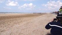 La Garde républicaine a chargé sur la plage